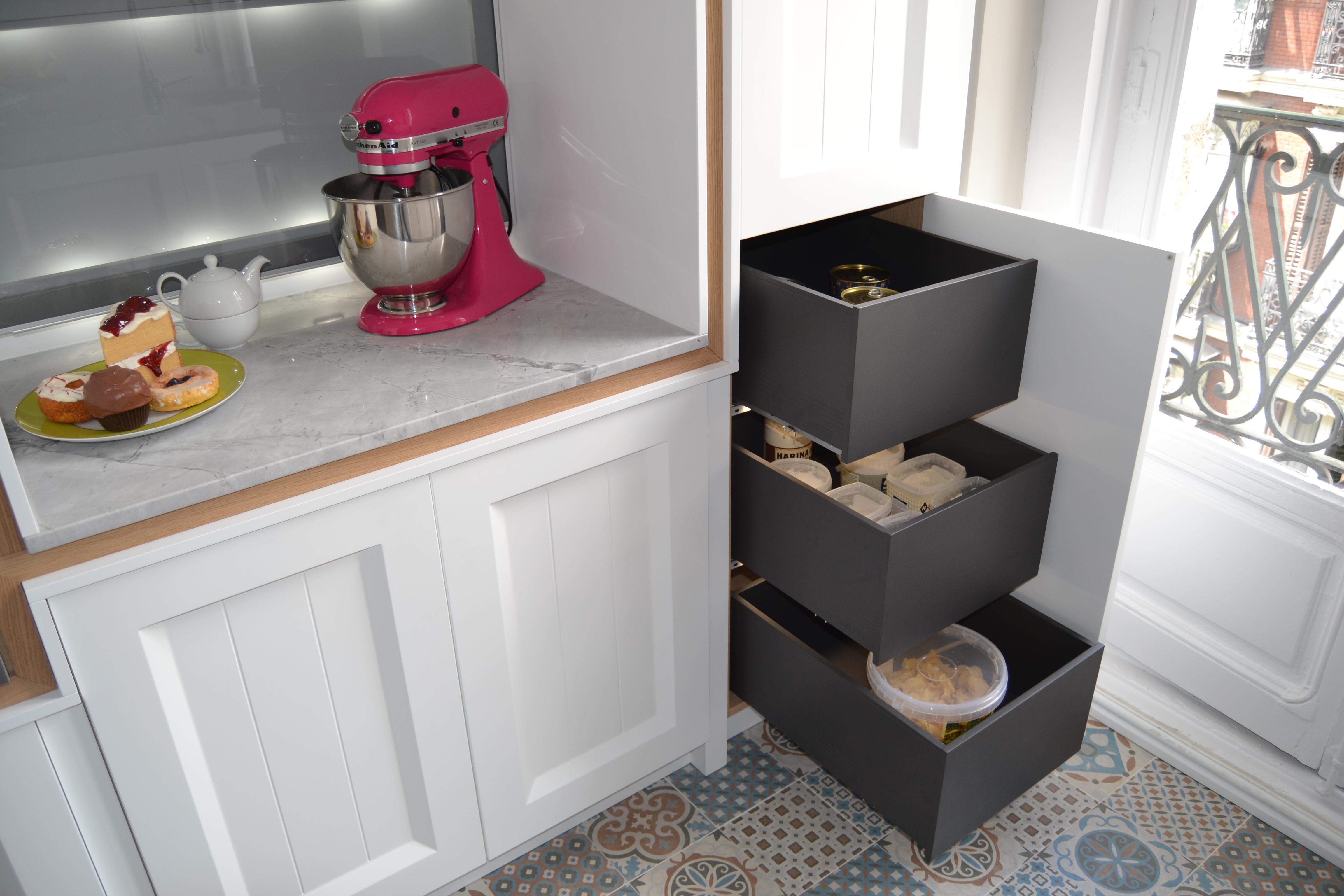 Madera estilo moderno cocinas j a martin for Muebles de cocina de madera modernos